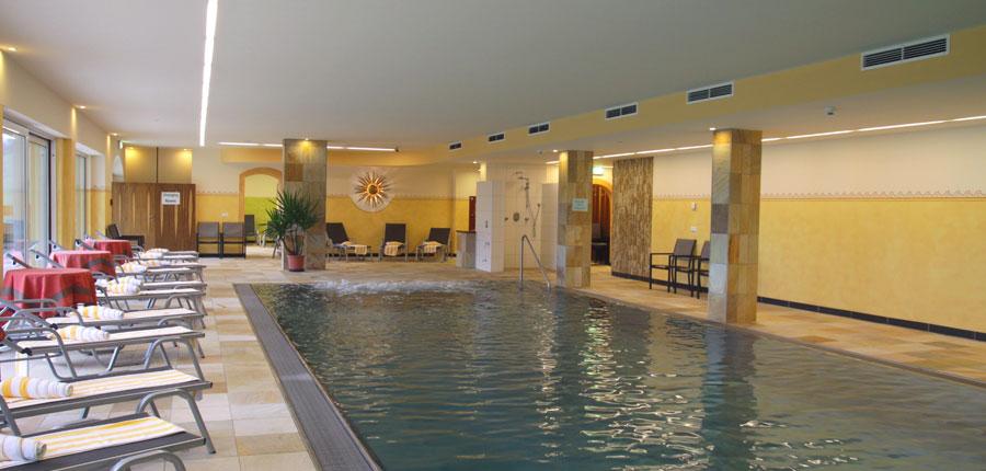 Austria_Niederau_Hotel-Harfenwirt_Indoor-pool.jpg
